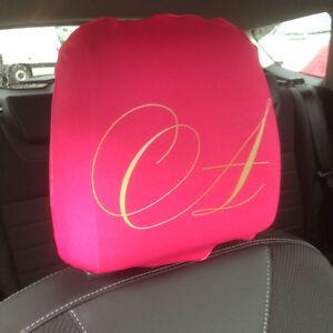 Rose fantaisie initiales imprim design housse appui t te for Housse voiture rose
