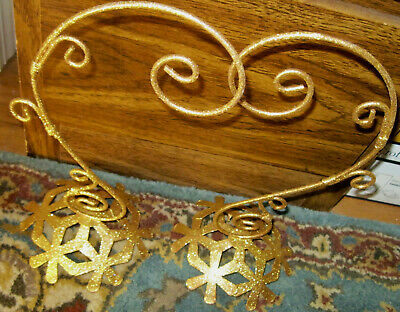 2 Decorative Gold Display Stands Show Off Your Jewelry Or Hang Ornaments.