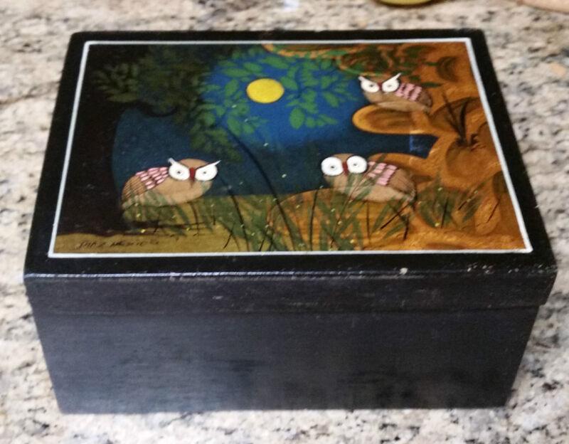 VINTAGE TONALA MEXIAN WOOD BOX W/ LACQUER PAINTED LID - SIGNED DIAZ MEXICO