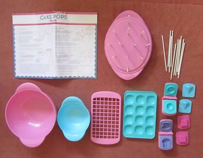 Kitchen fun Cake pops play set by Bakerella