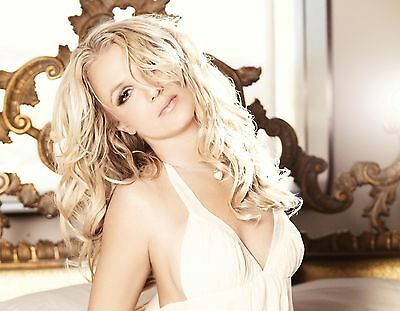Britney Spears Unsigned 8x10 Photo (75)