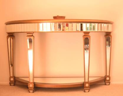 Hallway table / Decoration / Mirrored Table