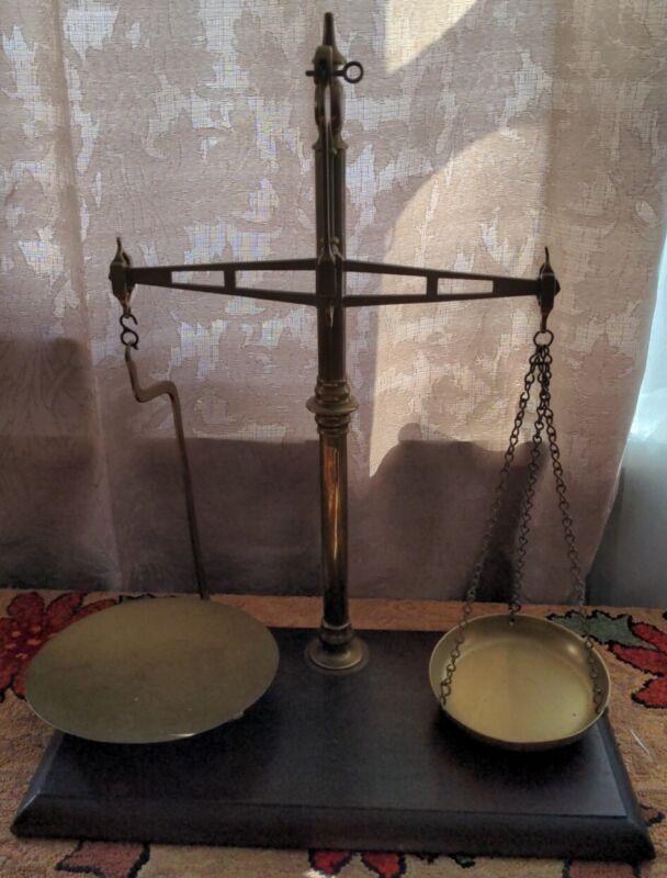 W&T Avery Birmingham Patent Agate Balance Scale Antique Brass & Mahogany