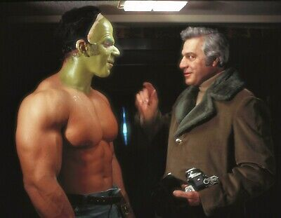 The Incredible Hulk - TV SHOW PHOTO #27 - LOU FERRIGNO - BEHIND THE SCENES