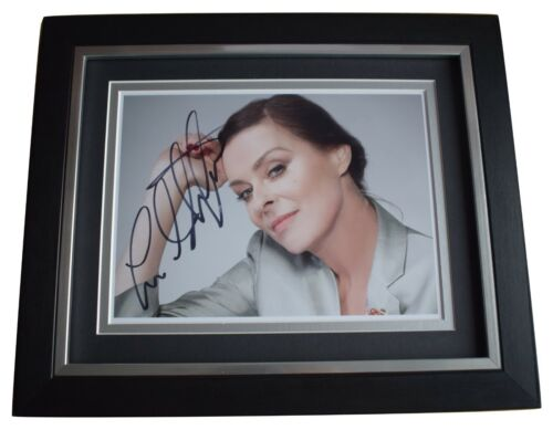 Lisa Stansfield SIGNED 10x8 FRAMED Photo Autograph Display Music Memorabilia COA
