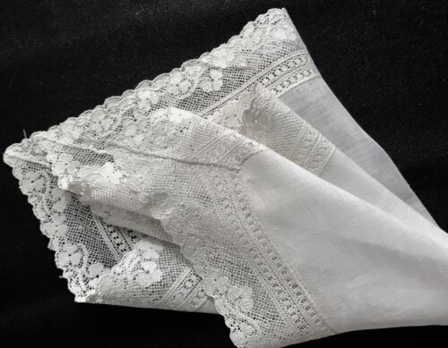 "Antique Edwardian Art Nouveau Lace Decorated White Handkerchief 11""SQ"