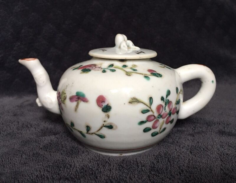 19th Century Antique Chinese Export Porcelain Famille Rose Peach Finial Teapot