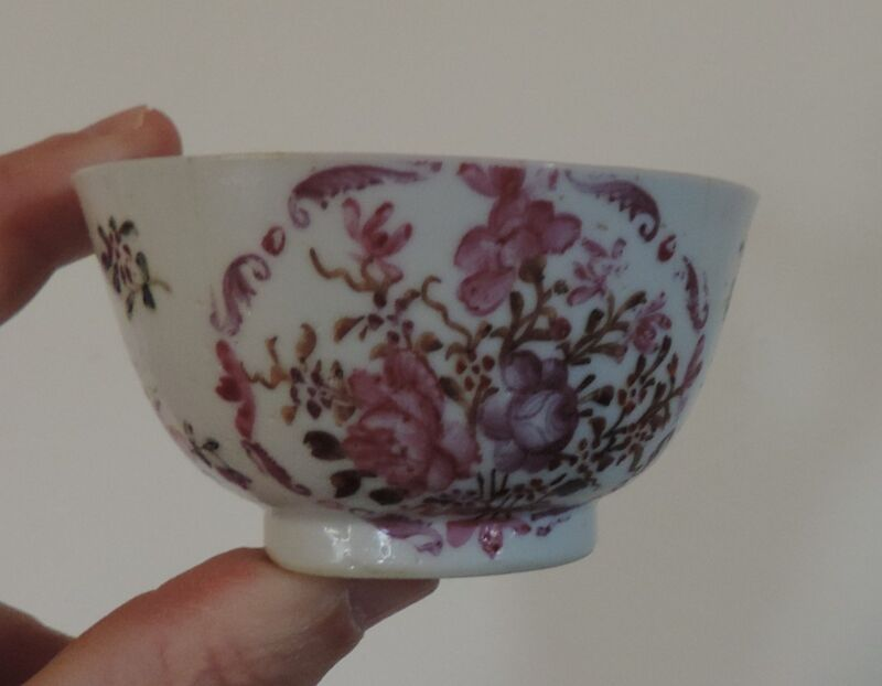 Antique 18th century Chinese Export Porcelain Tea Cup Bowl Famille Rose