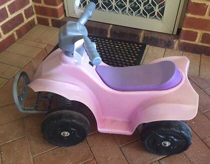 V6 motorized pink quad bike