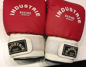 Boxing Gloves Waikiki Rockingham Area Preview