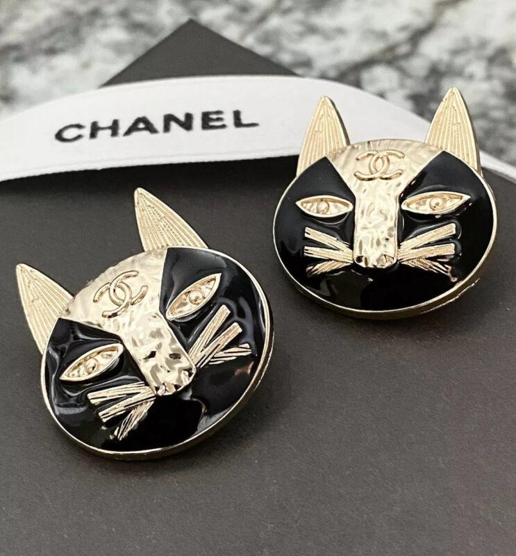 Set Of 2 CC Cat Black Enamel Gold metal buttons 25mm