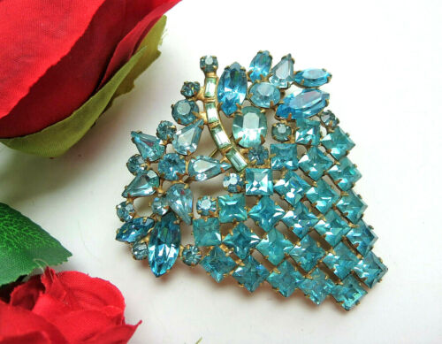 STUNNING Vtg ART DECO Turquoise Blue Rhinestone Flower Bouquet Pot Brooch Pin