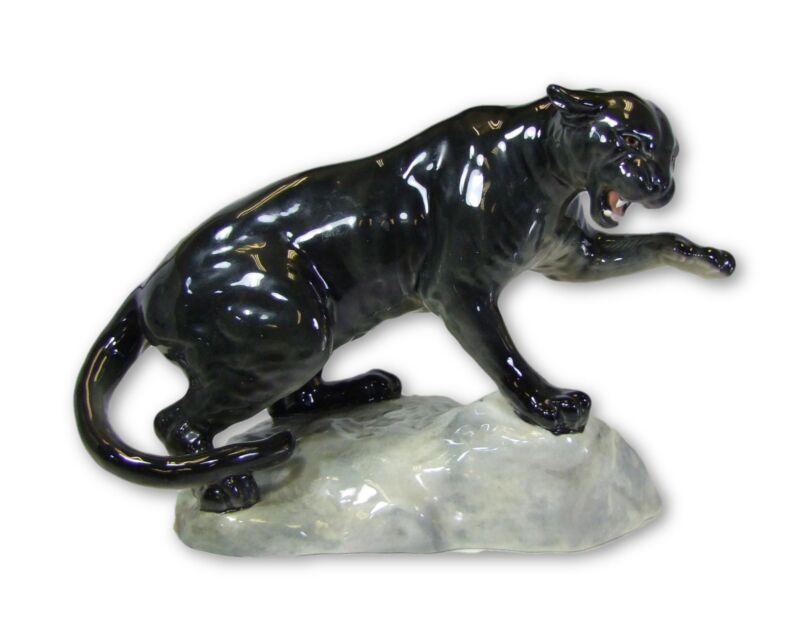 Beswick - Puma on Rock - 1702 - Made in England