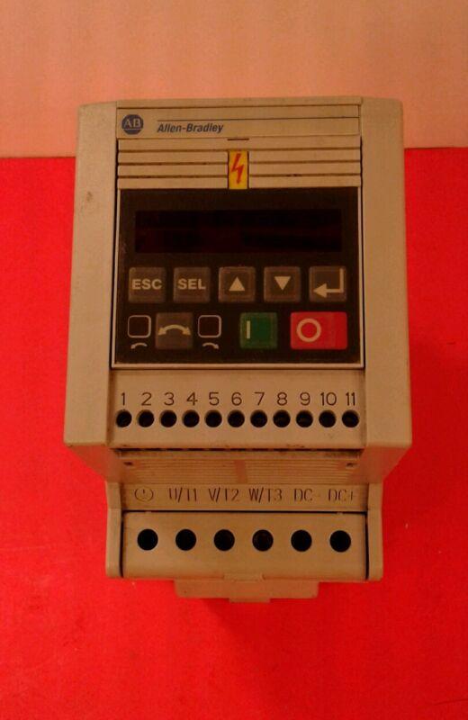 Allen Bradley 160-BA03NPS1, AC Motor Drive Speed Controller 1HP 380-460V  1E