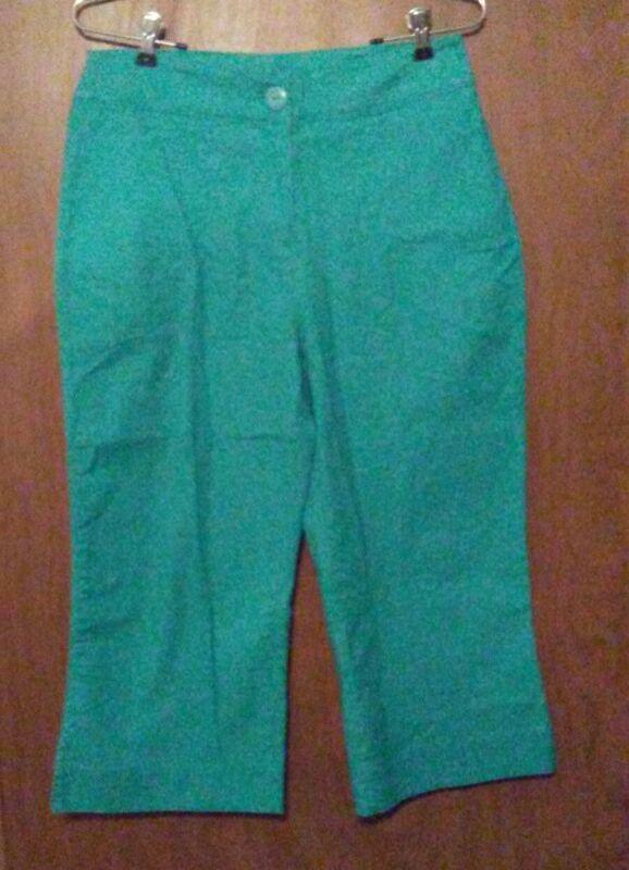 Woolrich green capris size 8 style name Dark Waterle waist 32 inch inseam 20 in