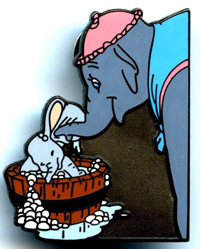 Disneyland - Memorable Moments Series - Dumbo Getting a Bath Pin (Pink Ear)