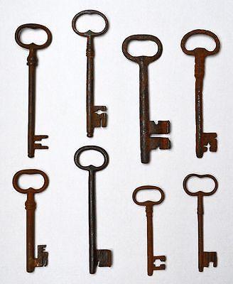 Kleine Sammlung Schlüssel 8 Stück 17.-19. Jh. Eisen geschmiedet 11-16,5 cm