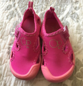 Size 5-6 Water Shoes