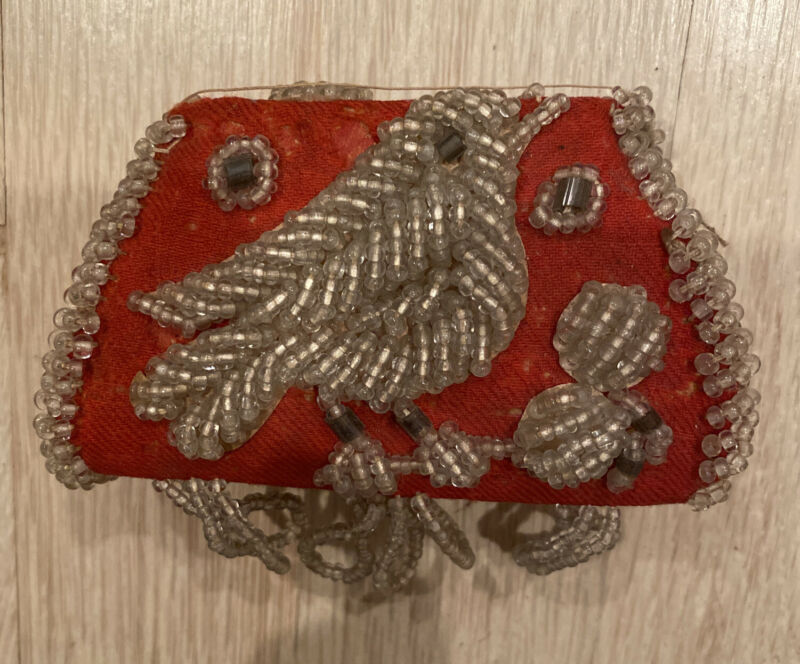 STUNNING SET OF 3 ANTIQUE c.1900s CLUSTERED BEADED IROQUOIS WHIMSY PURSES