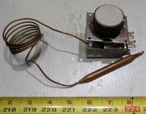 ROBERT SHAW Z-80885-48 Model B10 Temperature Control 125VAC 20Amp, 250VAC 15Amp
