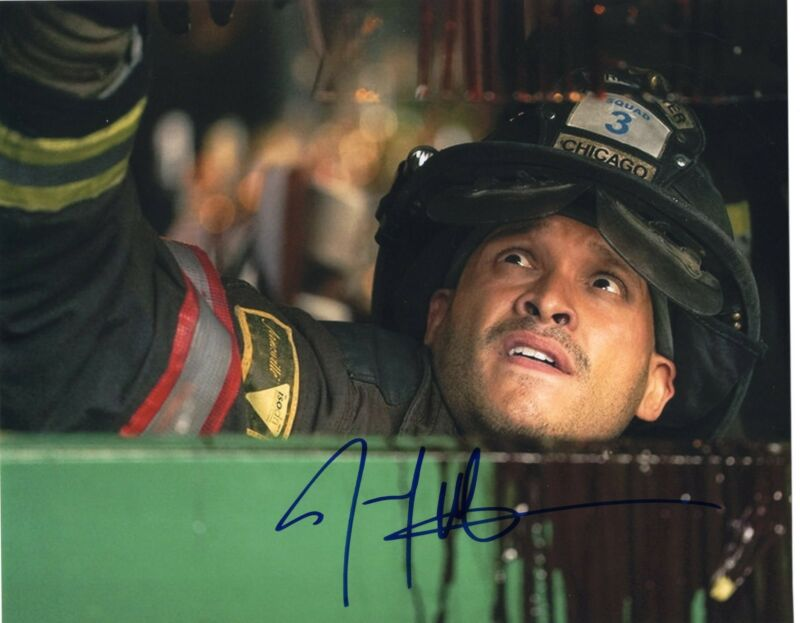 Joe Minoso signed 8x10 Photo w/COA Chicago Fire Med P.D. Joe Cruz #5
