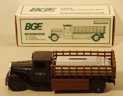 DTE 1:43 ERTL 1994 BALTIMORE GAS AND ELECTRIC 1930  PIPE LOAD TRUCK BANK NIOB