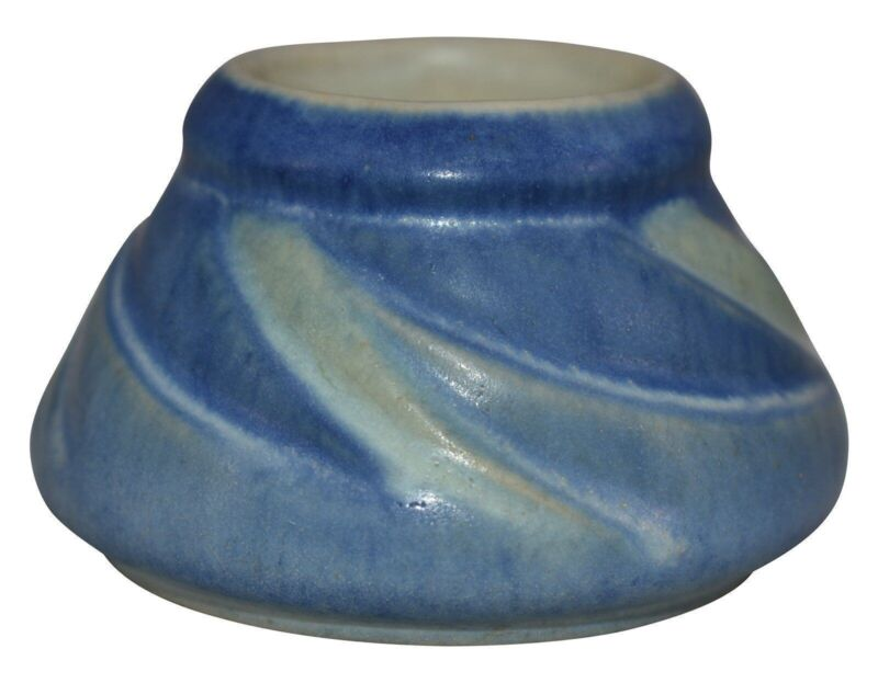 Newcomb College Pottery 1932 Blue and Green Swirling Leaves Cabinet Vase Arbo