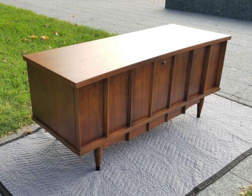 60s LANE Cedar Chest Style 2164 50-MCM-Danish Modern Era