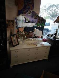 Queen Anne French Style 6 Drawer Dressing Table with Mirror Clearview Port Adelaide Area Preview