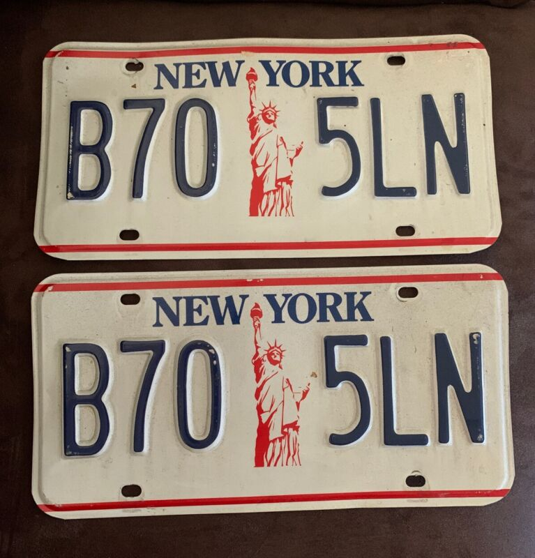 Set Of Vintage New York State NYS 80's License Plates Pair NY Statue Of Liberty