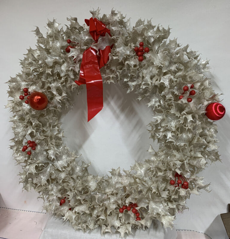 Vintage Christmas Plastic Holly White silver glitter Holiday Wreath 20""