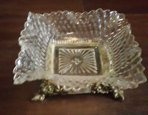 1969 Victorian Ruffled Crest Glass Pin/Trinket Dish With Brass Base