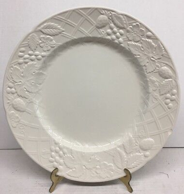 (Vintage Mikasa English Countryside DP9000 12.5' Round Chop Platter with box)