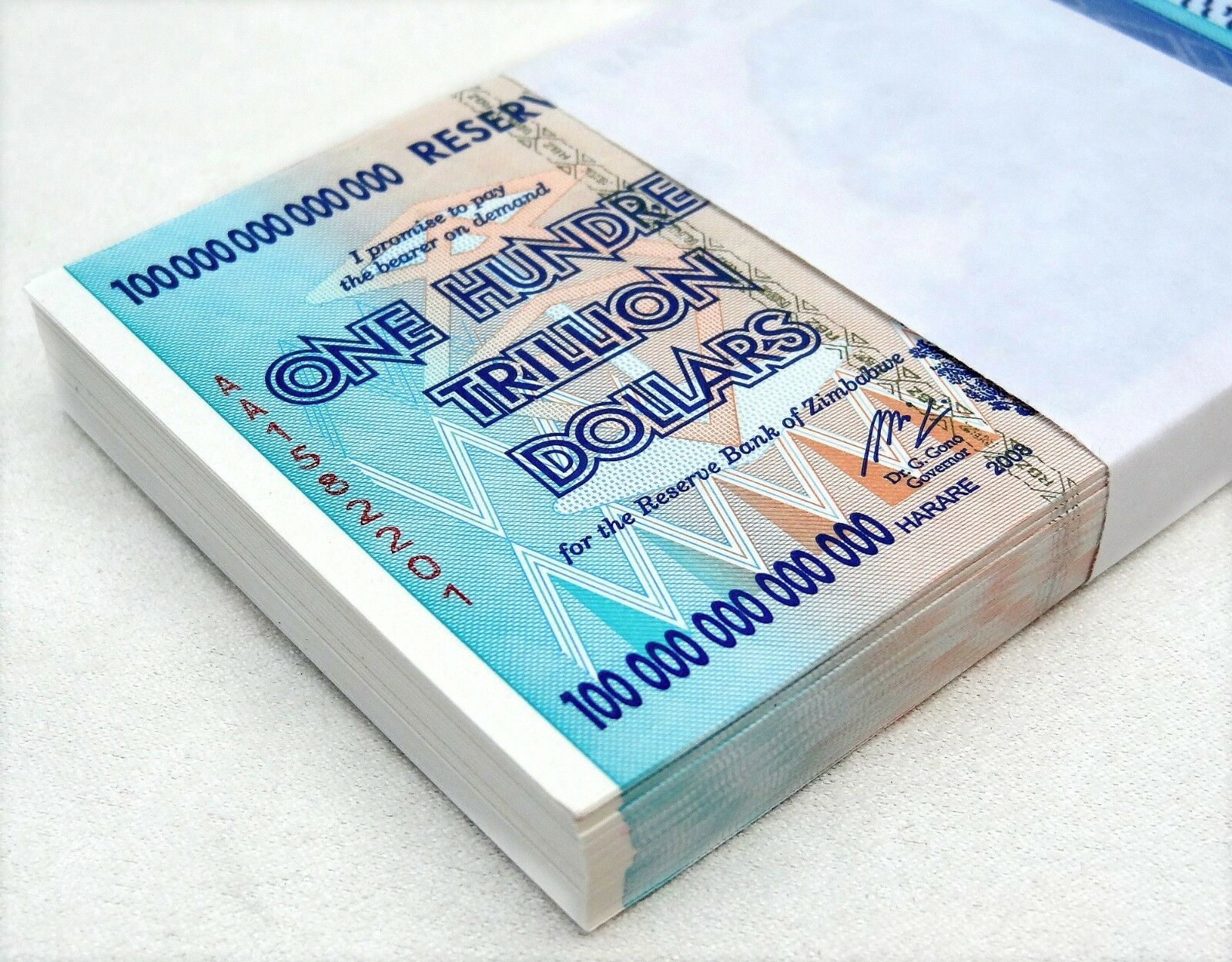 ZIMBABWE 100 TRILLION DOLLARS 2008 AA SERIES P91 UNC, 100 NOTES UV INSPECTED COA