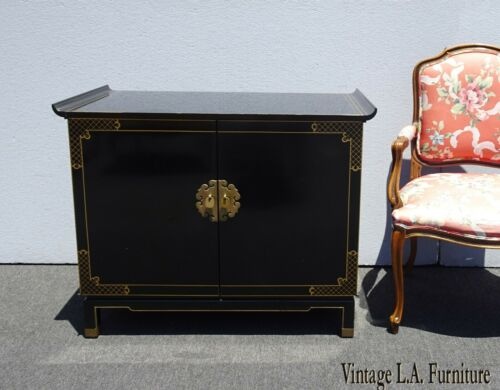 Vintage Mid Century Chinoiserie Oriental Asian Black Entry Table Cabinet