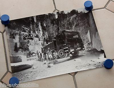 Poster Lkw Mercedes Actros 4140 Steinbruch s/w 1999  29,7 x 40 cm int. Nr. 014