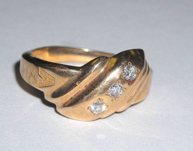 Ladies 14k Yellow Gold Ring Bezel Set with  Round Diamonds  Size 6.5