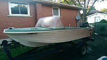 Leavens Runabout 16' Fiberglass Must sell, moving