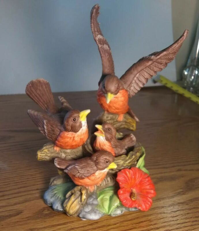 Lefton Vintage Robin Family With Nest and Babies It