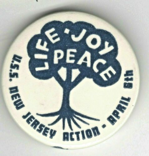 USS New Jersey Action Vietnam War Protest Pin April 8, 1968 LIFE Peace Joy
