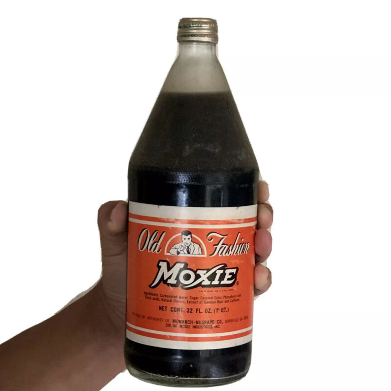 1976 MOXIE 32 FL OZ ORIGINAL LARGE UNOPENED BOTTLE FULL VERY RARE COLLECTIBLE