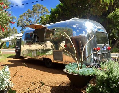 AIRSTREAM food & coffee van  full commercial kitchen