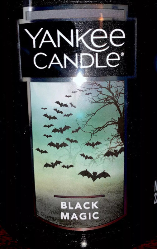 Yankee Candle-BLACK MAGIC, LARGE JAR, 22oz Halloween Bats