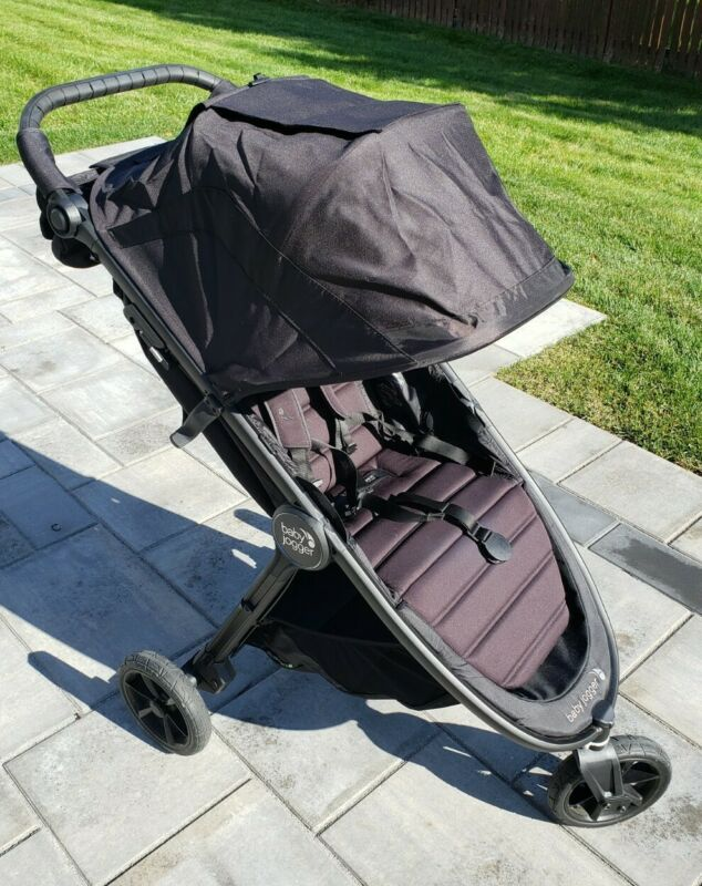 Baby Jogger City Mini GT2 Single Stroller Jet Black w Console and CarSeat Attach