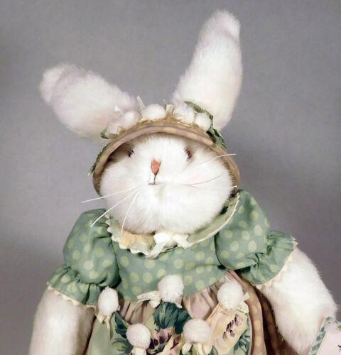Hallmark Bunnies by the Bay Rosy Pocketful Rabbit Plush 2002 FREE SHIP