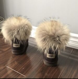 NEW Ugg authentic boots with fur top and insoles. Size 7
