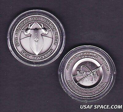 NEW-SR-71 -ARMSTRONG NASA DRYDEN FLOWN SR-71 Aircraft Metal COIN-MEDALLION USAF