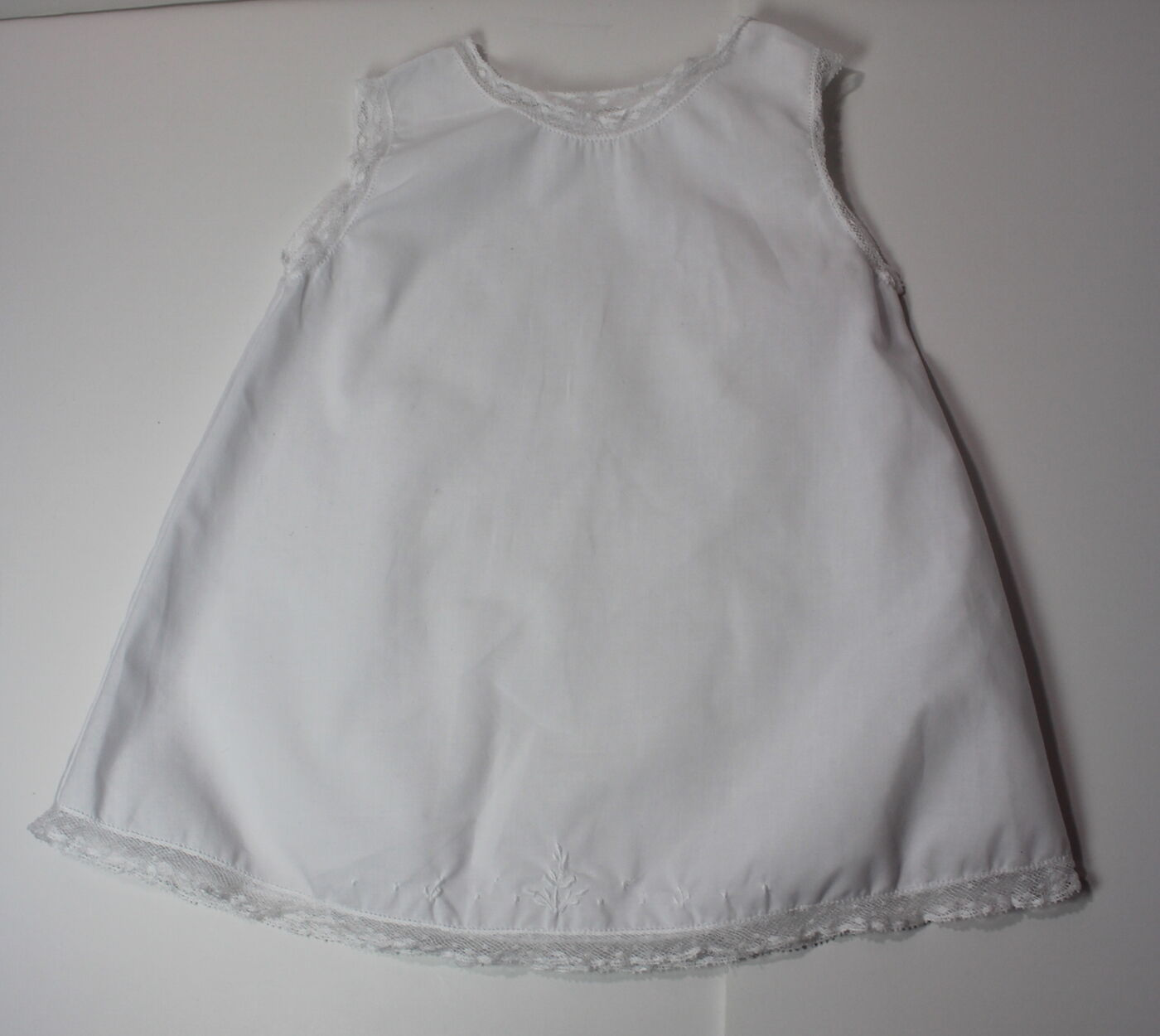 9 month white dress ith feathers