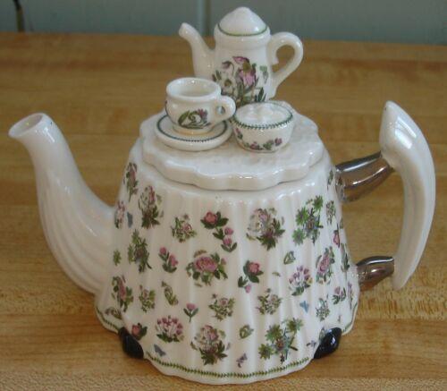 Portmeirion Botanic Garden Mini Figural Teapot w/Teaset Lid