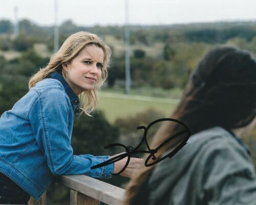 * KIM DICKENS * signed autographed 8x10 photo * FEAR THE WALKING DEAD * 2